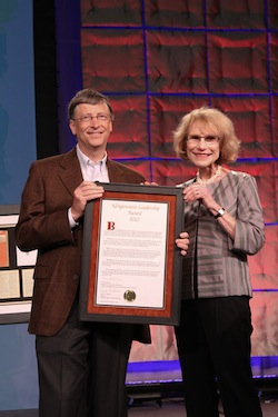 Bill Gates receives leadership award from TC