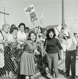 Pro-segregation protesters outside William Frantz Elementary School in 1960.