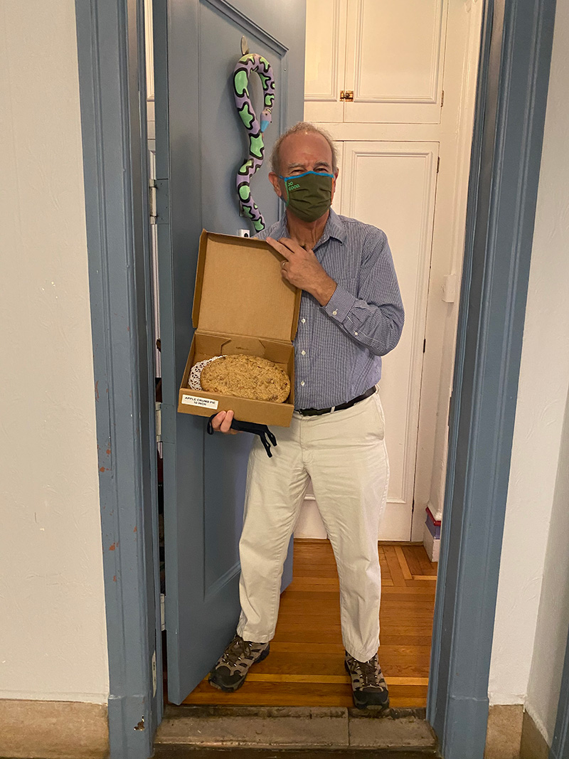 Thanksgiving 2020 Pie Delivery - Prof. Henig