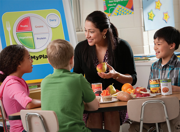 FEWER COURSES Federal and stage budget cuts could sharply affect schools' ability to offer nutrition education.